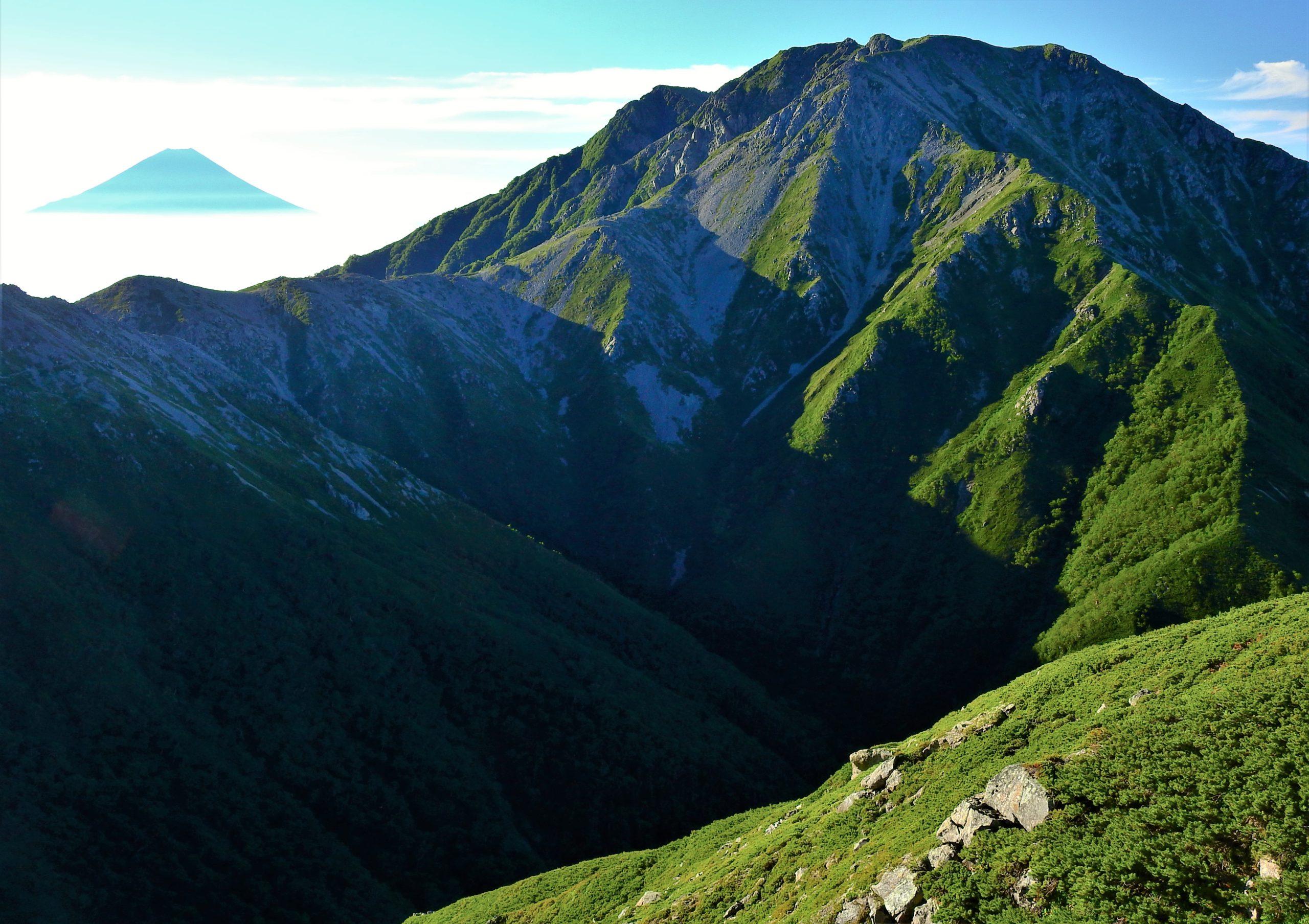 南アルプス 農鳥岳 富士山