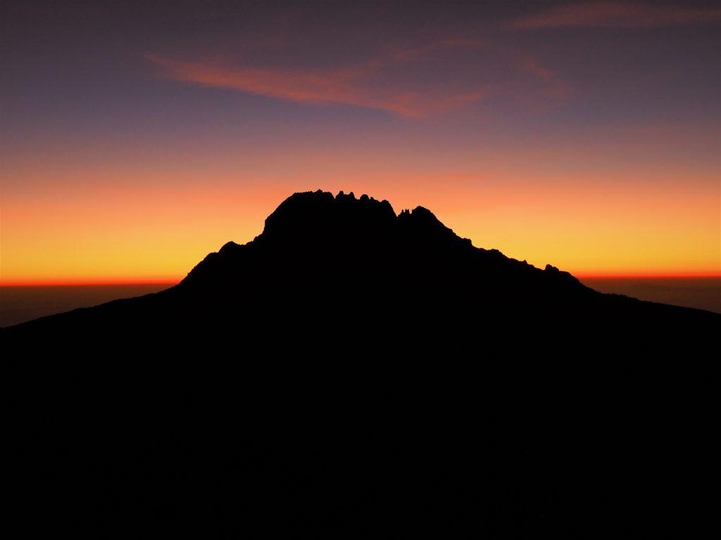 タンザニア キリマンジャロ マウエンジ峰