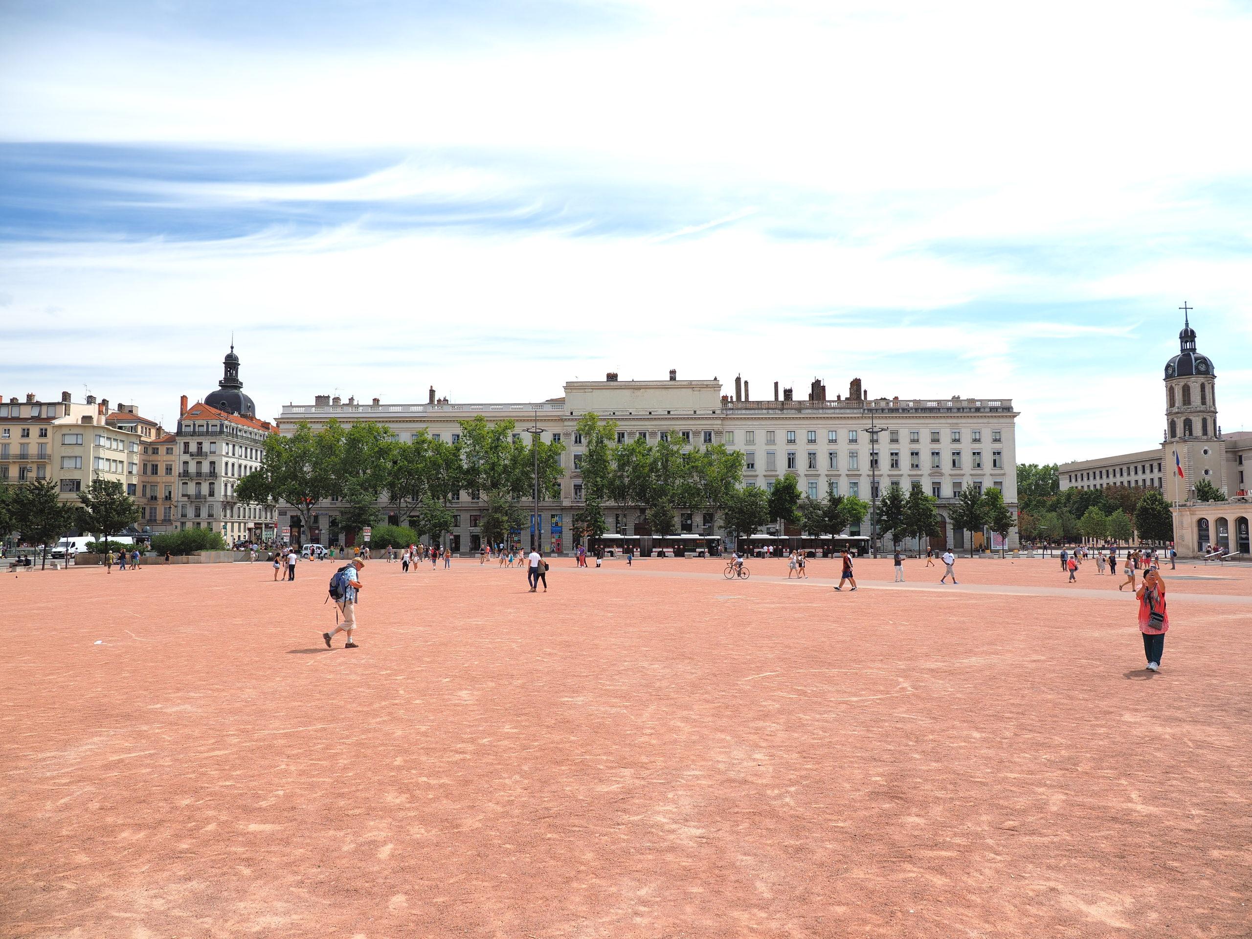 フランス リヨン ベルクール広場