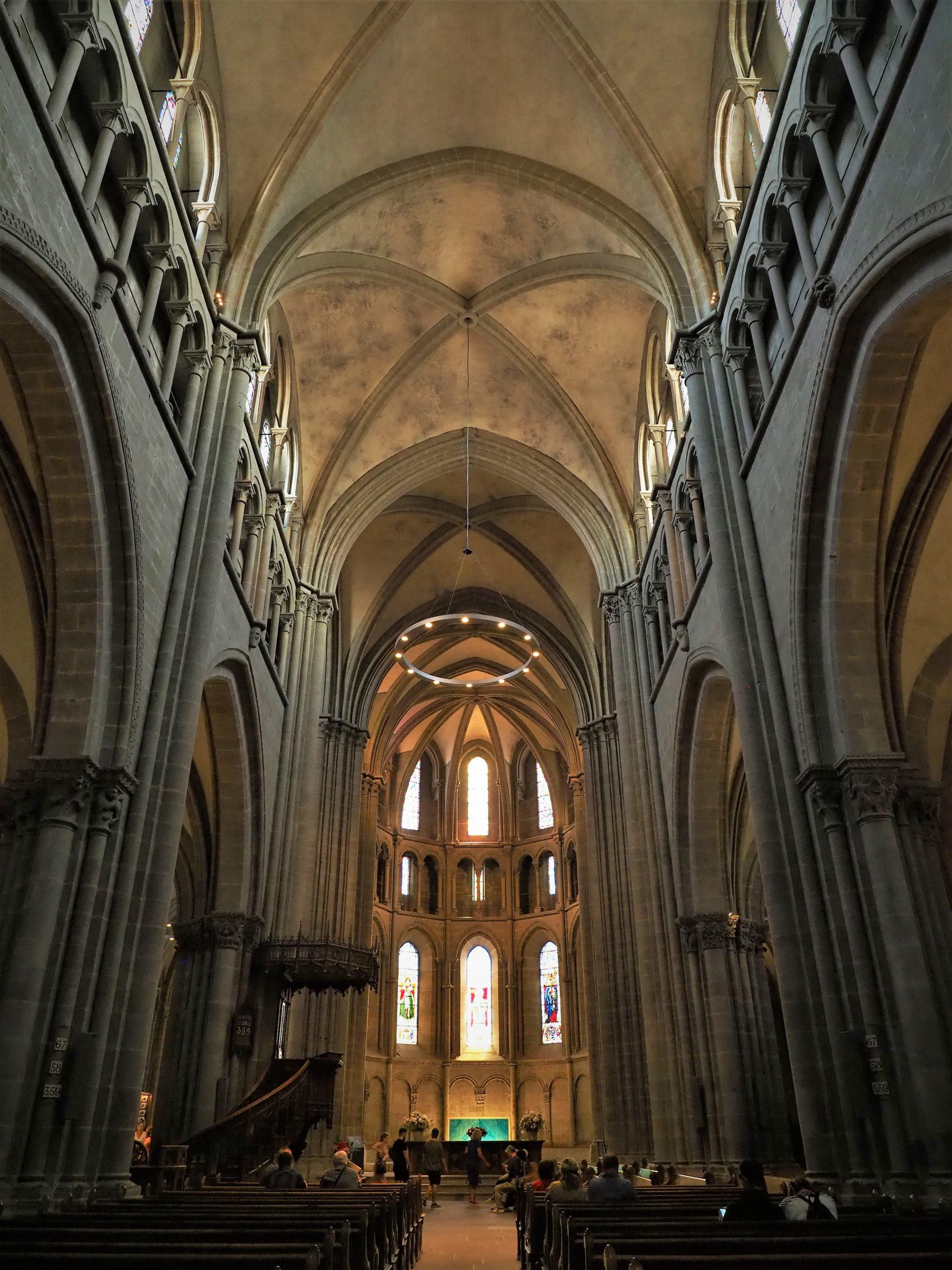 スイス サン・ピエール大聖堂