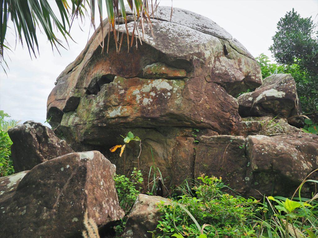 沖縄県 与那国島 人面岩
