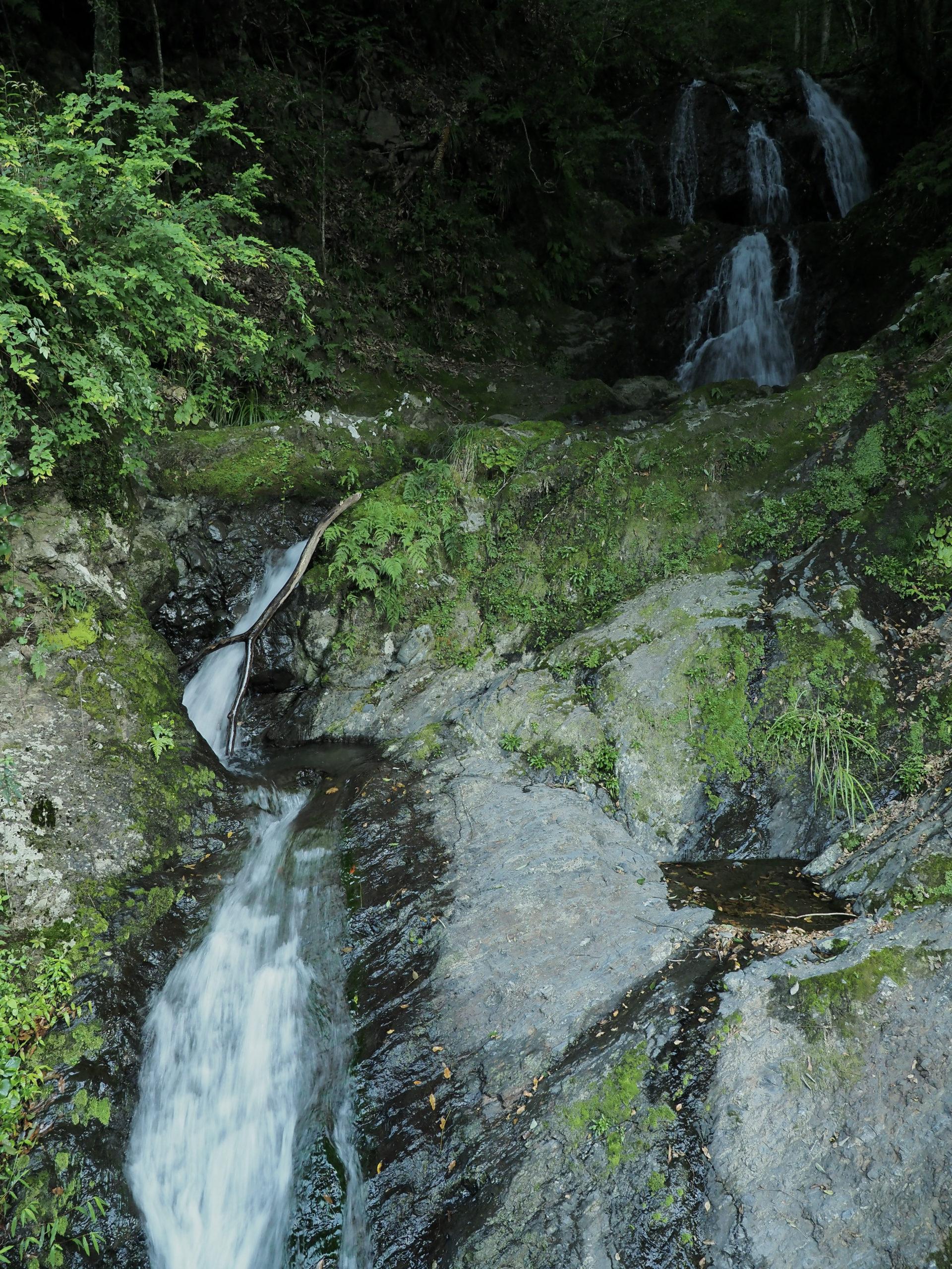 静岡県 八垂の滝