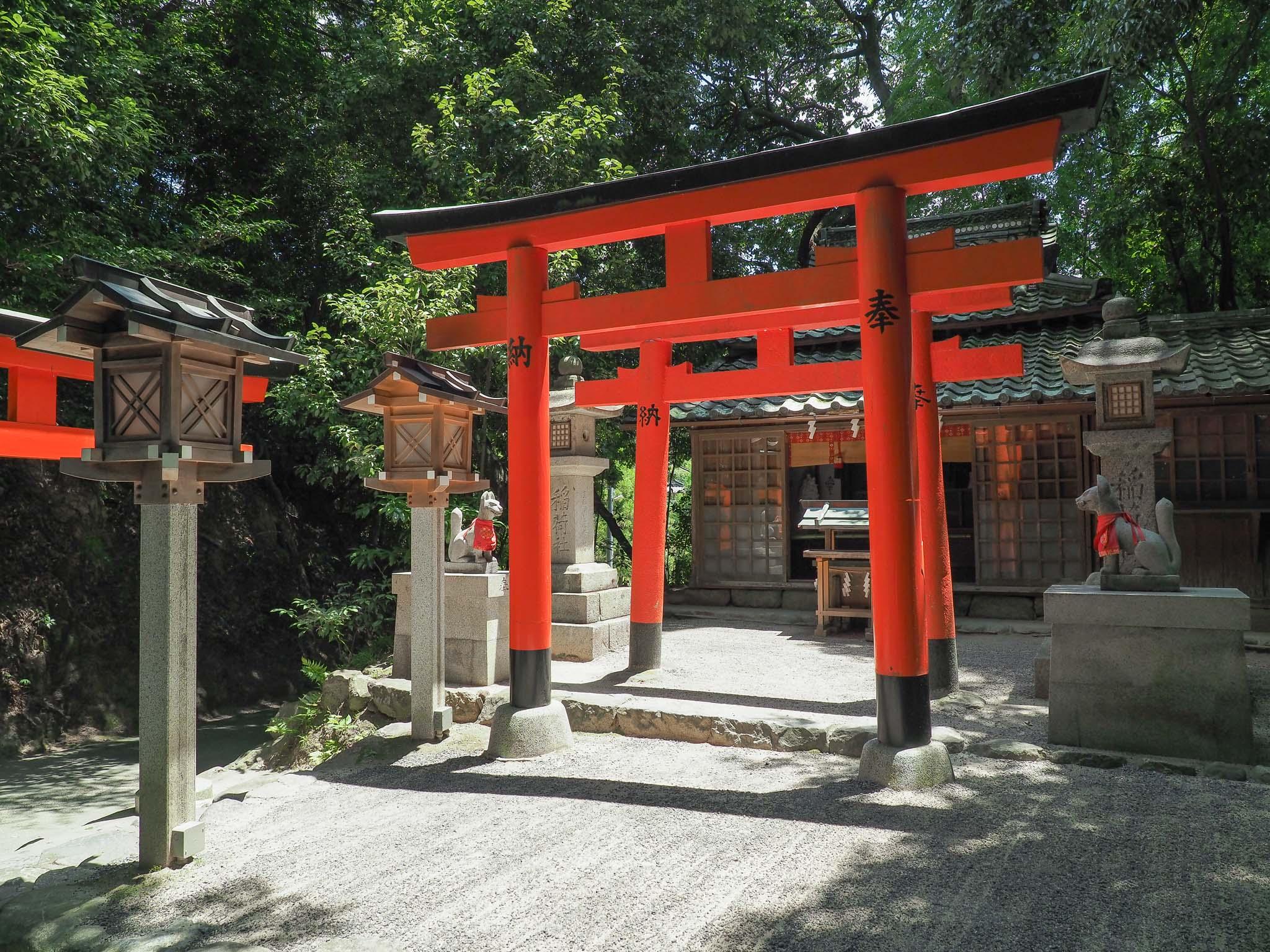 奈良県 成願稲荷神社
